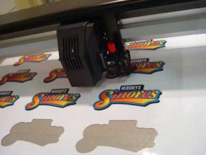 Печать на виниловой пленке с резкой по контуру